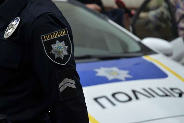 Поранений правоохоронець госпіталізований, його стан лікарі оцінюють як стабільно важкий — На Львівщині під час затримання двох втікачів з колонії поранено поліцейського