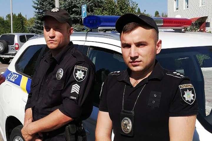 На Миколаївщині чоловік взяв у заручниці квартирантку та поранив поліцейського