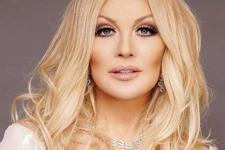 Українська співачка зганьбилася на концерті (фото)