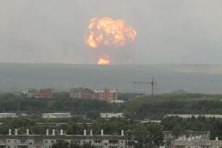 У Калинівці на Вінниччині сталися вибухи на складах Міноборони