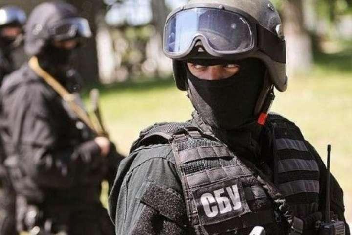 СБУ викрила на Київщині «чорних» держреєстраторів