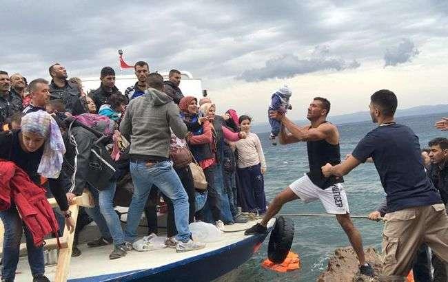 Німеччина готова приймати врятованих на морі біженців з Італії - Німеччина готова приймати 25% врятованих на морі біженців з Італії