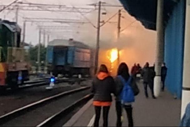 Потяг знаходився на відстої, без пасажирів — На вокзалі у Вінниці горів пасажирський потяг