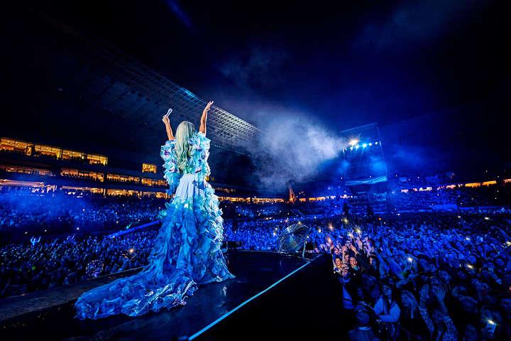 Первая леди украинской поп-сцены: Полякова собрала аншлаг на концерте во Львове