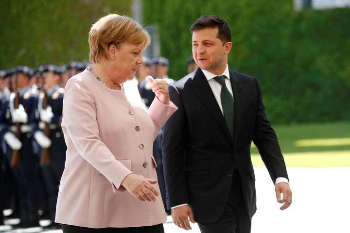 Ангела Меркель та Володимир Зеленський: як тепер будуть складатися їхні взаємини? - Süddeutsche Zeitung: «Ніби політичний удар піддих»