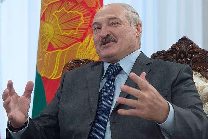 Олександр Лукашенко — Диктатор на побігеньках: чому Лукашенко пропонує Україні здатися?