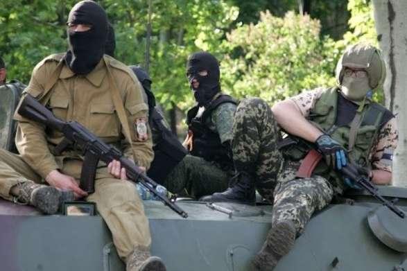 На Донбасі окупанти чинять тиск на підприємців, які відмовляються надавати «волонтерську допомогу»