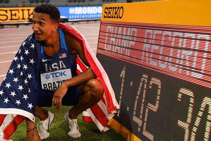 Окрім рекорду чемпіонатів, час Довована Бразієра на 800-метрівці є ще й новим рекордом США. Попередній тримався з 1985 року — Чемпіонат світу з легкої атлетики. США бере три золота з чотирьох і додає рекорд