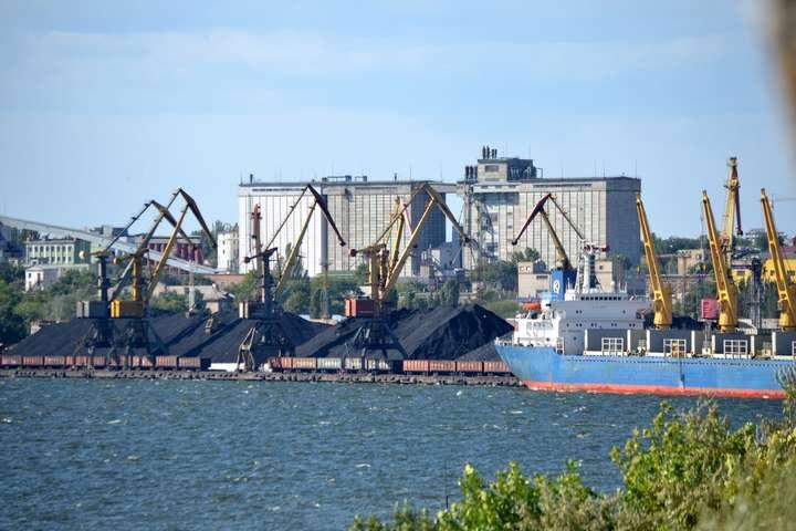 Міністр інфраструктури звільнив директора Миколаївського морського порту