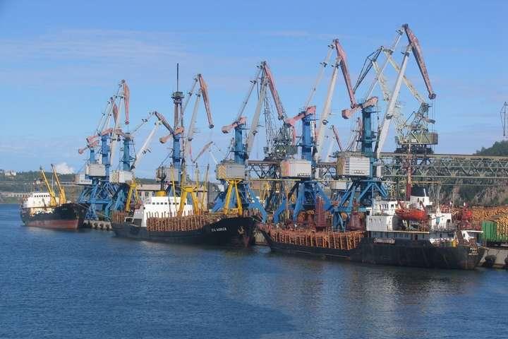 Адміністрація морських портів хоче скоротити кількість працівників на 30%