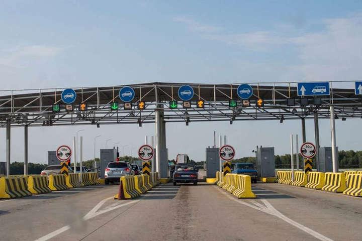 Уряд пропонує ввести платний проїзд дорогами для іноземців