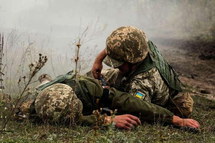 За минулу добу внаслідок ворожого обстрілу один військовослужбовець зі складу Об'єднаних сил отримав поранення — Бойовики посилили обстріли на Донбасі: за добу – 30 порушень «тиші»