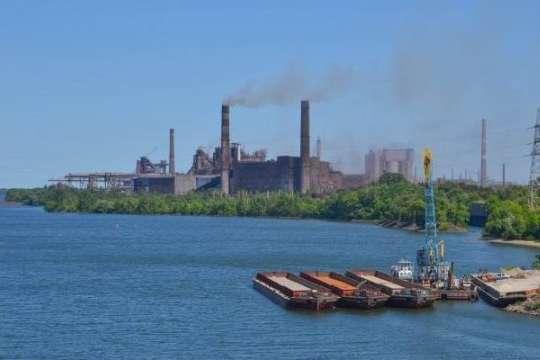 Дніпровський металургійний комбінат призупиняє частину виробничих потужностей