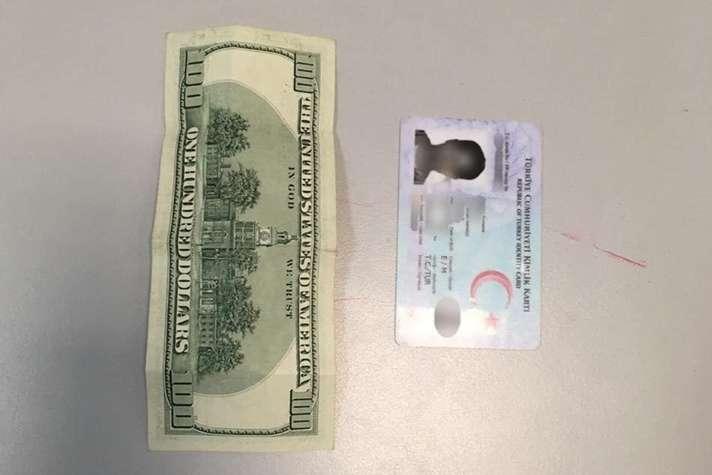Громадянин Туреччини пропонував прикордоннику у «Борисполі» хабара у $100