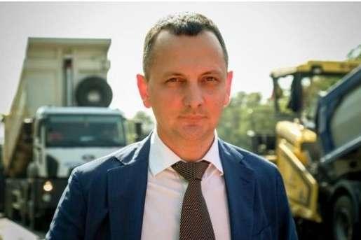 В ідеальному випадку, вже в 2021-му році Дніпро, а отже і Запоріжжя, і Маріуполь, будуть з'єднані з Києвом дійсно сучасною трасою — Голик — Радник прем'єра розповів про будівництво траси Дніпро-Решетилівка «з нуля»