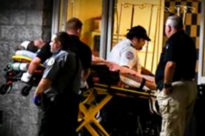 <p>15 десантникам медична допомога була надана на місці, ще сімом потрібна була госпіталізація Об этом сообщает <a href=