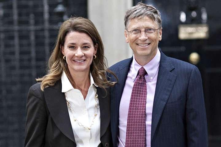 У 2000 році Мелінда та Білл Гейтс заснували «Фонд Білла і Мелінди Гейтс» — Мелінда Гейтс виділить $10 млрд на захист прав жінок у США