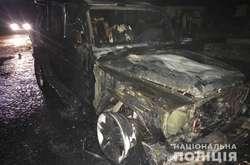 Фото: — <p>Вогнем знищено передню частину та салон автомобіля Mercedes-Benz G63</p>