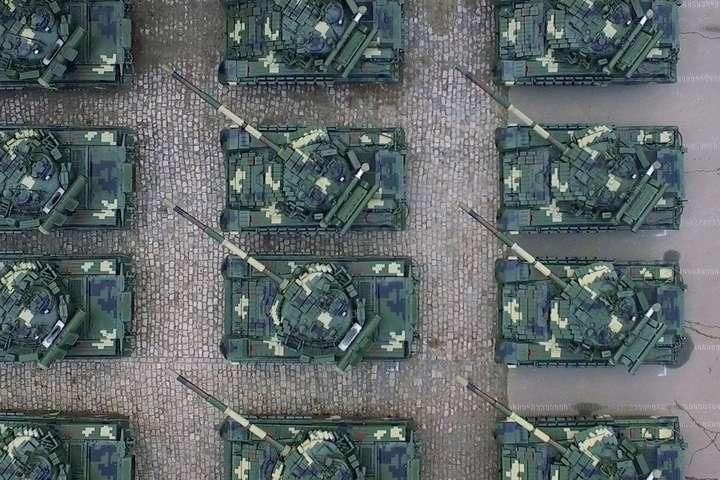 Україна зменшує бюджет на армію, – Бадрак