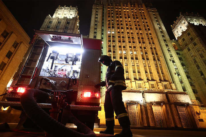 Пожежу вдалося локалізувати — У будівлі МЗС Росії спалахнула пожежа