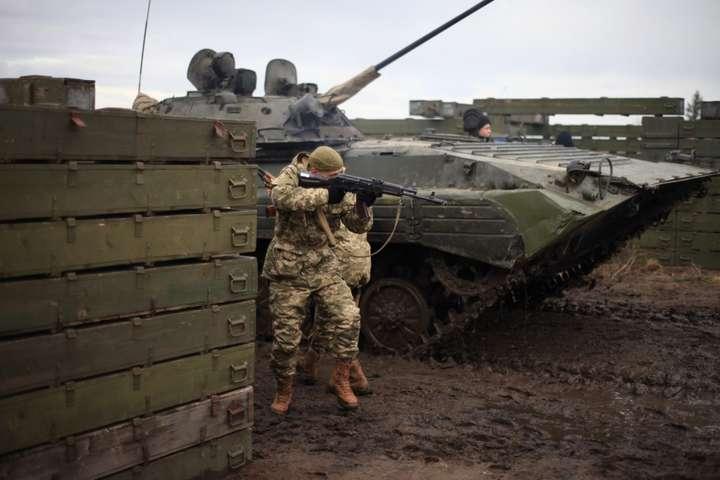 У неділю на Донбасі загинув<span>військовослужбовець 28-ї окремої механізованої бригади імені Лицарів Зимового походу Іван Дейкун</span> — Доба на Донбасі: 25 ворожих обстрілів, бійці Об'єднаних сил зазнали втрат