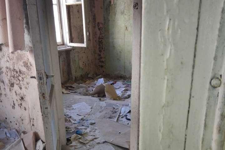 <p>Медичні працівники працюють в неналежних умовах, а засуджені утримуються в холодних палатах без світла та води Об этом сообщает <a href=