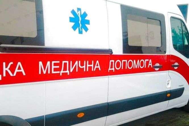 129 людей отруїлися на весіллі на Буковині