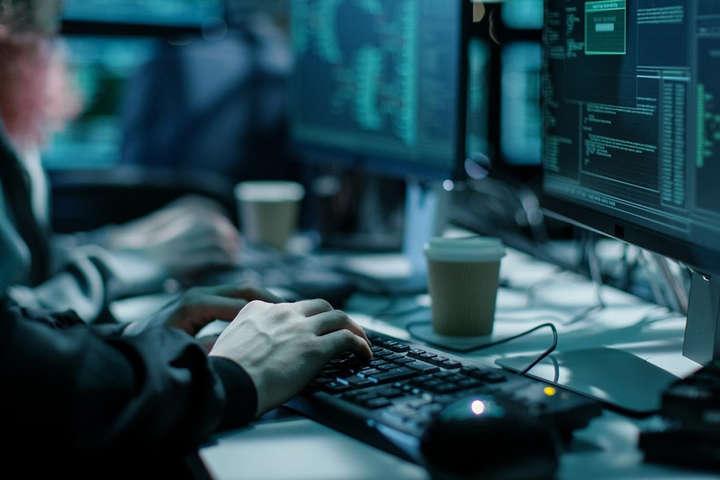 Рекомендується використовувати антивірусні програми в постійному режим - Віртуальний світ небезпечний. В кіберполіції розповіли, як не стати жертвою хакерів