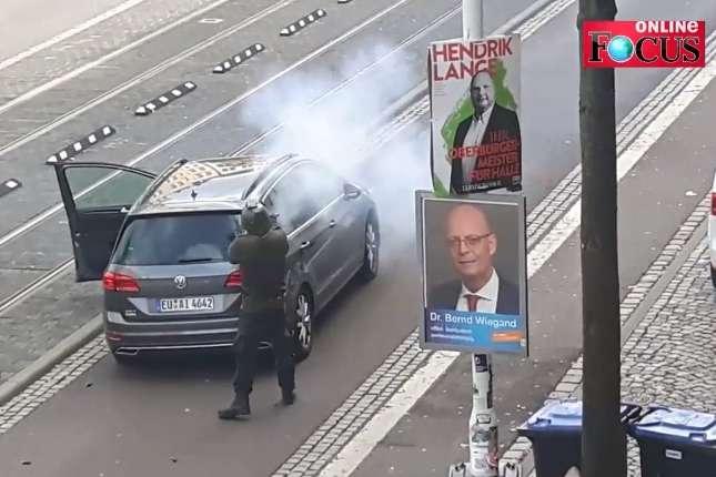 <p>Напередодні поліція затримала підозрюваного у стрілянині в Галле і Ландсберге 27-річного німця Штефана Б.</p> <p> — Штайнмаєр відвідав місце теракту у Галле»></p></div> <div class=