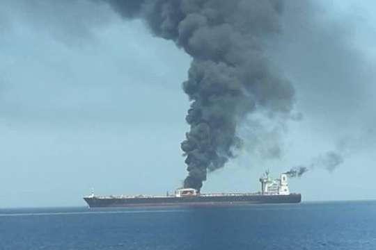 На іранському танкері в Червоному морі стався вибух