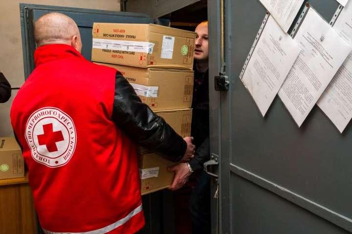 Міжнародна організація направила на окупований Донбас 51 тонну гуманітарної допомоги
