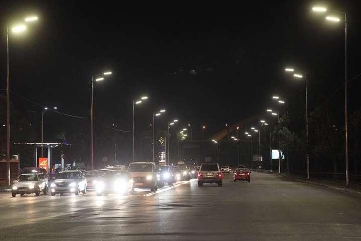 На вулицях Києва встановлять ще 33 тис. LED-світильників - За дев'ять місяців «розумне» освітлення зекономило Києву 12 млн грн