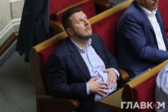 Одіозний батько тендерних схем Антон Яценко у цьому парламенті входить до провладної групи мажоритарників «За майбутнє» - «Слуг народу» зіпсувало питання Антона Яценка