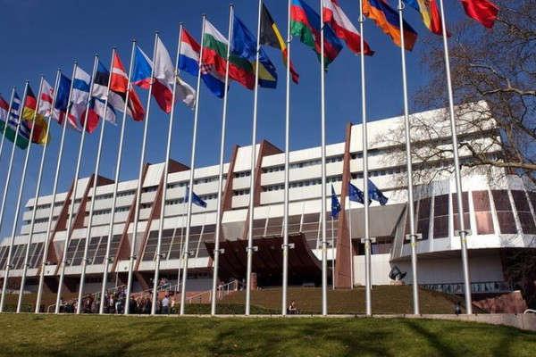 <p>Нові проекти мають враховувати визначену законом роль НААУ як єдиної професійної самоврядної організації адвокатури, що створена у відповідності з міжнародними зобов&rsquo;язаннями України як члена Ради Європи, зазначив Гвоздій</p> <p> — Асоціація адвокатів очікує, що співпраця з експертами Ради Європи перестане бути негативною»></p></div> <div class=