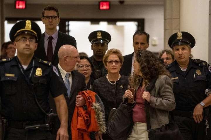 Марі Йованович дала свідчення в Конгресі - Йованович звинуватила Трампа у тиску з метою її звільнення