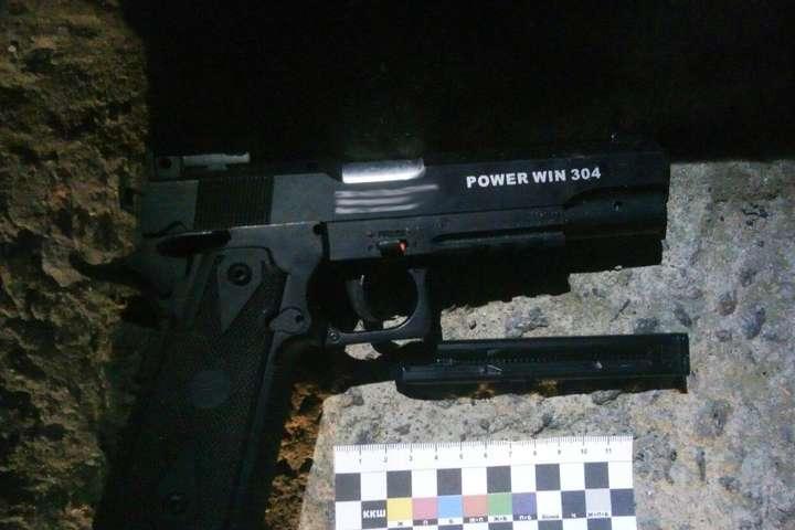 На Вінниччині з травматичної зброї поранили поліцейського