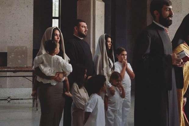 Ким Кардашян показала новые фото с крещения в Армении