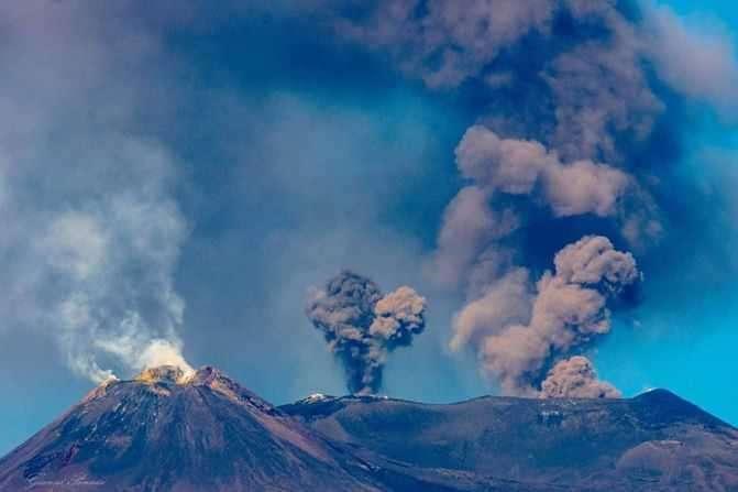 В Італії прокинувся вулкан: частково закрито повітряний простір