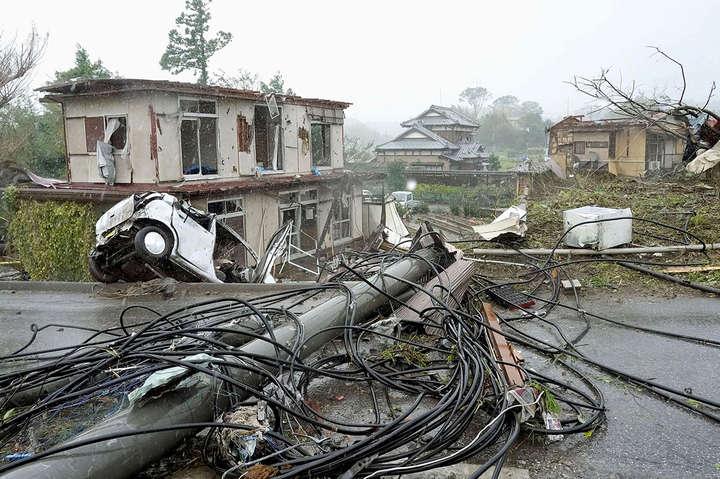 <p>Наслідки тайфуну &laquo;Хагібіс&raquo; на схід від Токіо, 12 жовтня 2019 року</p> <p> — Японія оголосила про евакуацію 9 млн людей через тайфун «Хагібіс»»></p></div> <div class=