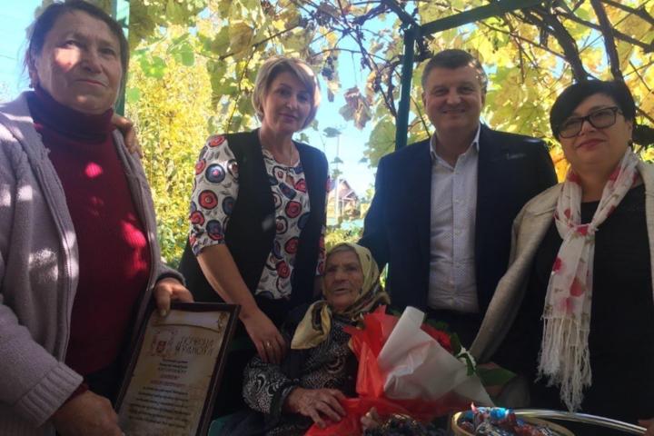 Вінничанку Надію Лаптєву привітали із 100-річним ювілеєм