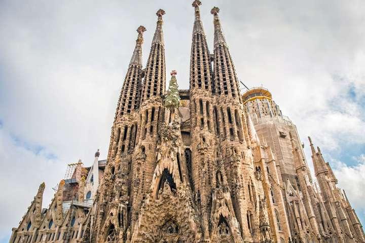 ХрамСаграда-Фамілія — У Барселоні через протести закрили культовий храм