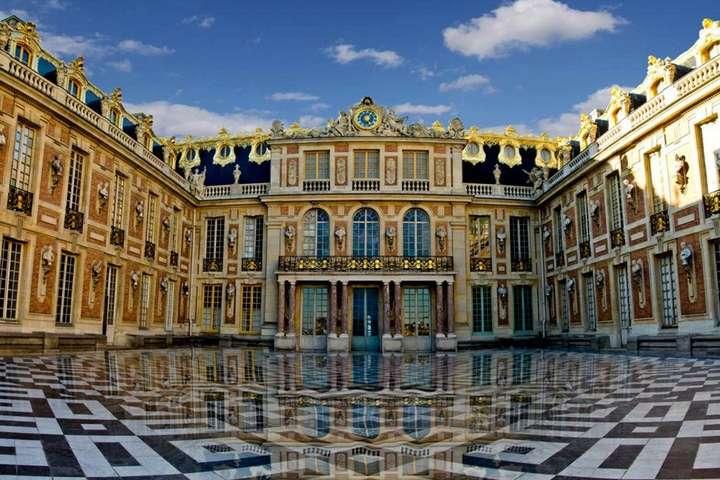 <p>Про ціни поки не повідомляється, але можна припустити, що вони будуть доволі високими</p> — У Версалі відкриють готель