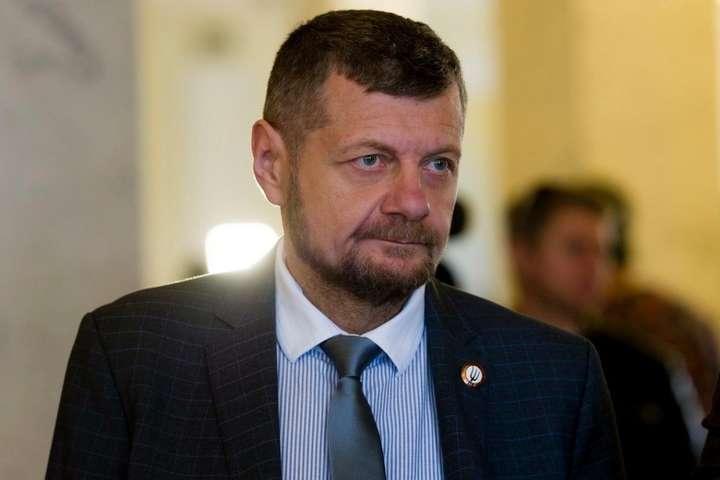 Экс-нардеп Игорь Мосийчук - Экс-нардеп Мосийчук заявил, что премьер Гончарук «приставал» к молодому сотруднику