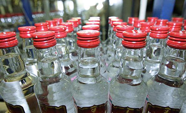 Зеленський вніс до парламенту проєкт закону про зняття держмонополії на виробництво спирту