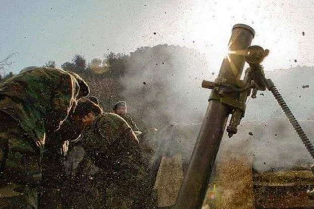 Бойовики обстріляли українських бійців під Мар'їнкою і Талаківкою