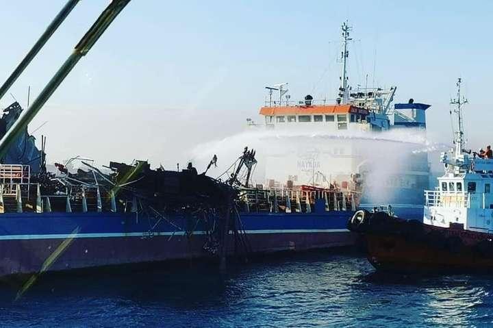 Усуботуна танкері «Затока Америка» стався вибух газоповітряної суміші — Рятувальники відновили пошуки моряка з російського танкера «Затока Америка»