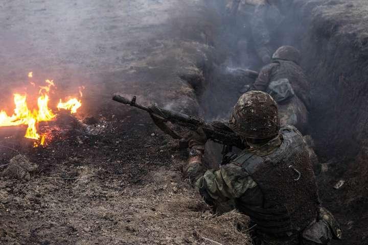 Українські військові на Донбасі — Доба на Донбасі: 15 ворожих обстрілів, двох бійців Об'єднаних сил поранено
