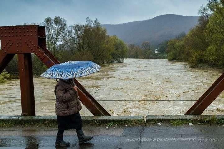 У річках Закарпаття підніметься вода