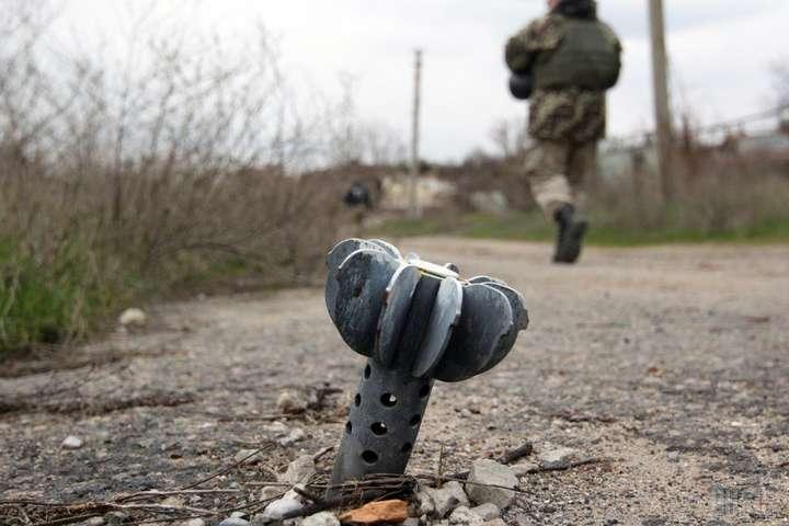 Окупанти з гранатометів обстріляли позиції українців під Водяним й Лебединським