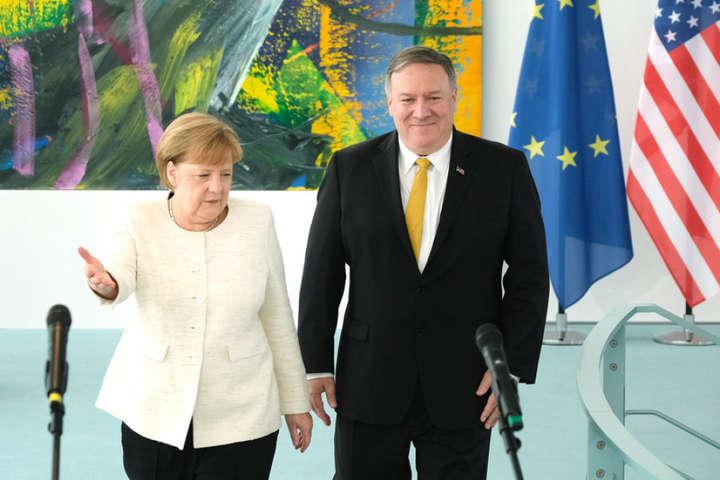 Ангела Меркель та Майк Помпео — У США анонсували переговори Помпео й Меркель щодо України